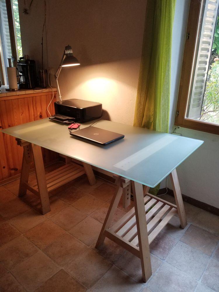 Bureau table verre très bon état 120 Grasse (06)