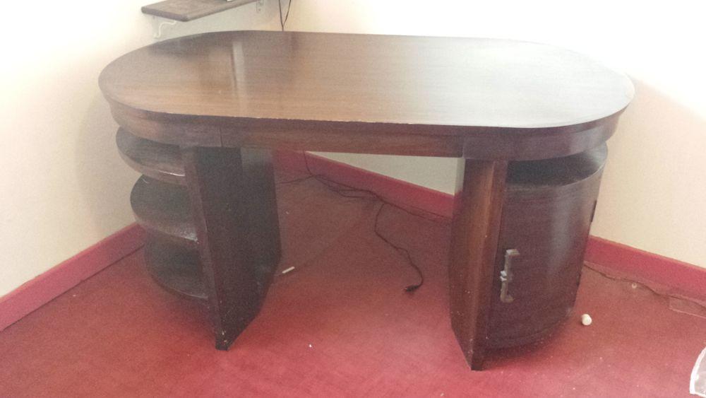 Bureau en teck à caisson et tiroirs fabrication artisanale