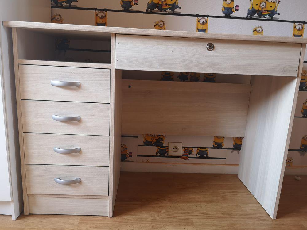 bureau  4 tiroirs Haute:75cm Long:110cm 20 Magnanville (78)