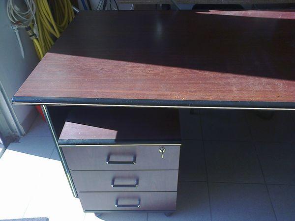 bureaux acajou occasion dans la loire atlantique 44 annonces achat et vente de bureaux acajou. Black Bedroom Furniture Sets. Home Design Ideas