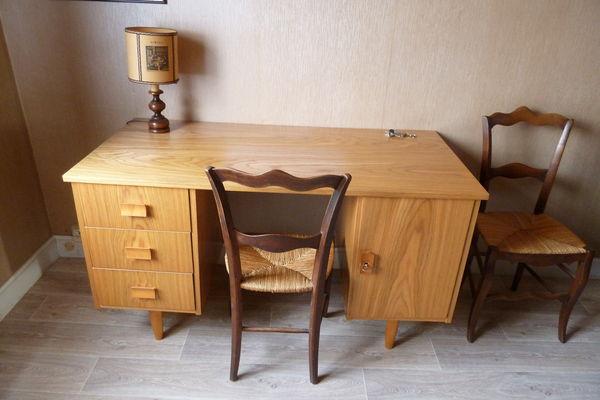 bureaux d 39 occasion toulouse. Black Bedroom Furniture Sets. Home Design Ideas
