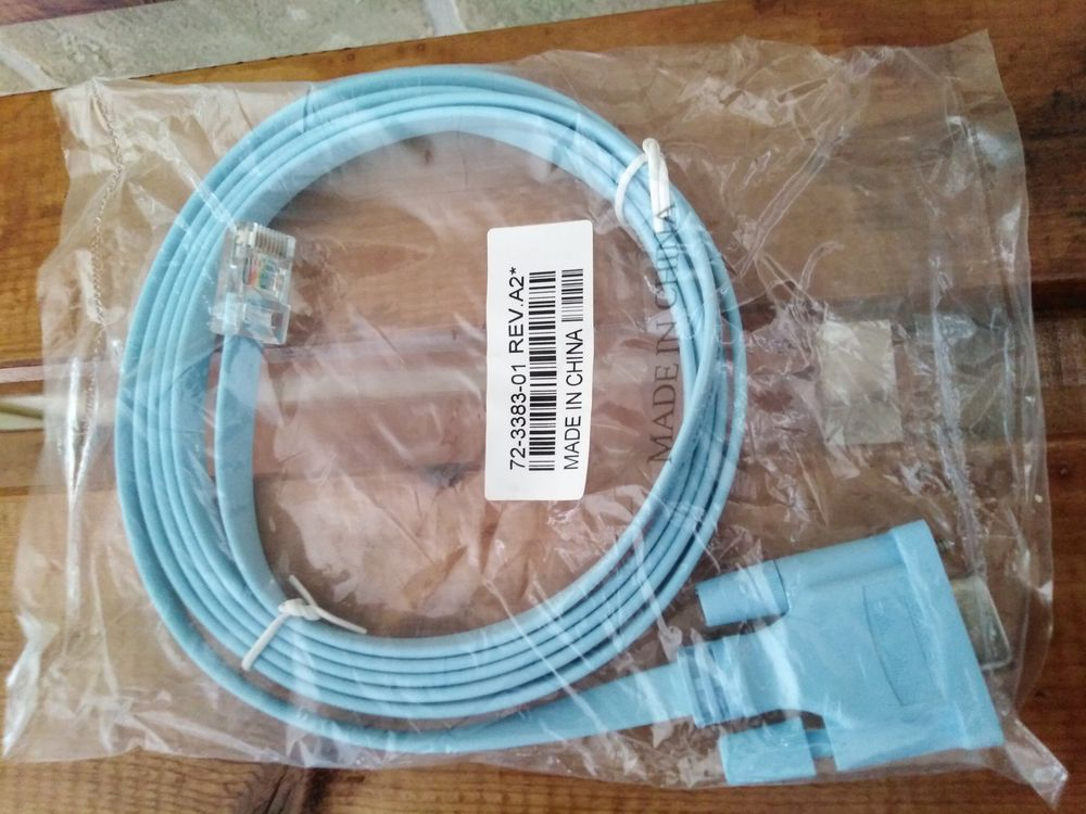 Câble console RJ45 vers DB9 de 1,8 m pour routeur Cisco Matériel informatique