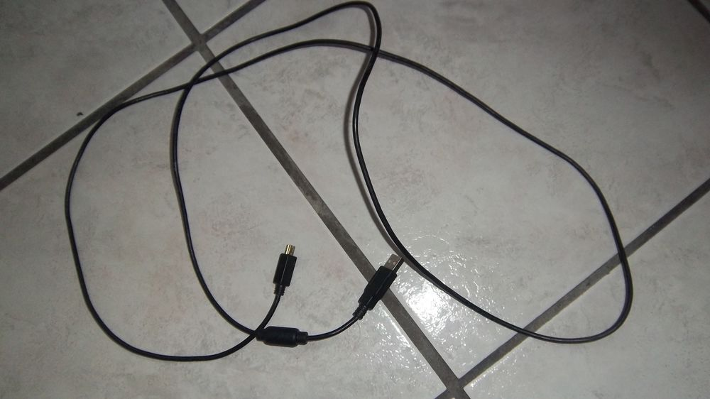 Cable E225804 AWM Style 2725/1PR 1 Colombier-Fontaine (25)