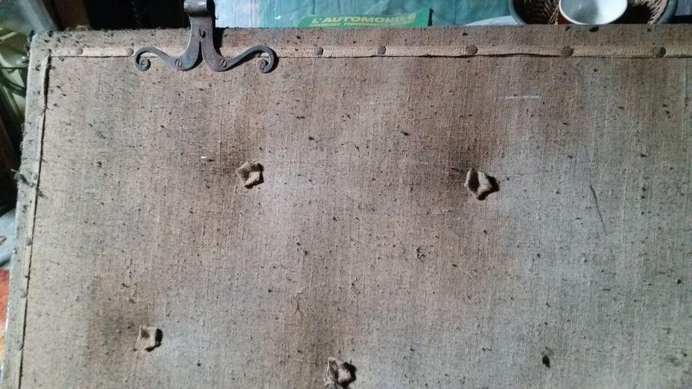 cache atre  de cheminée  50 Vicdessos (09)