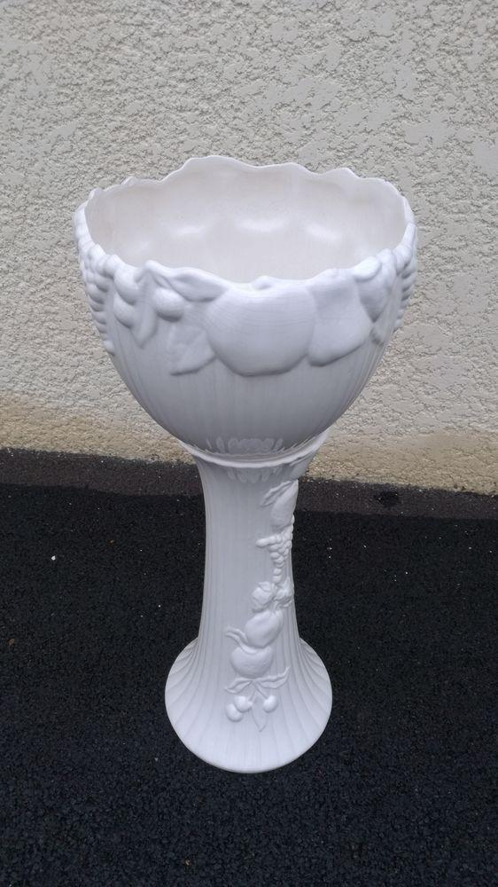 cache pot de fleurs décoratif blanc, sur pied 30 Romain (51)