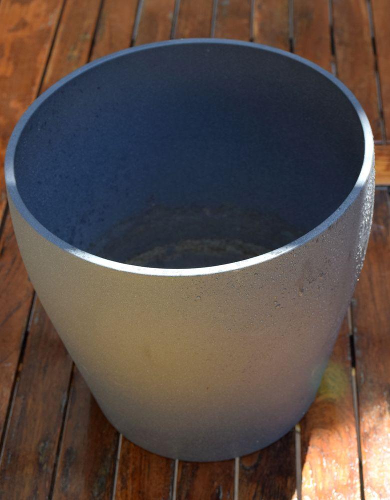 Lot de 5 Caches-Pots - 4 gris et 1 blanc - 25 - 27 cm. 40 Roissy-en-Brie (77)