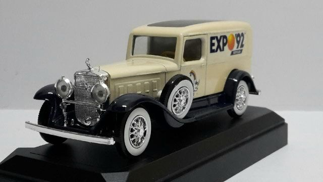Cadillac V16 Van EXPO 92 - 1931 28 Follainville-Dennemont (78)