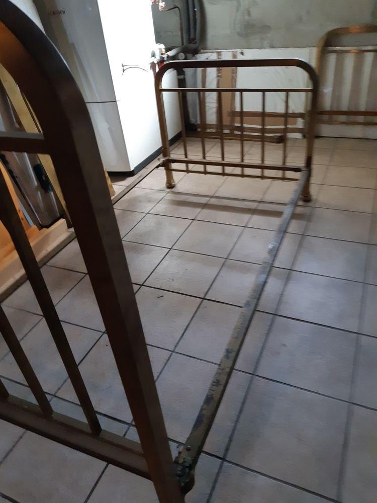 Cadre de lit en bronze 0 Espinasse-Vozelle (03)
