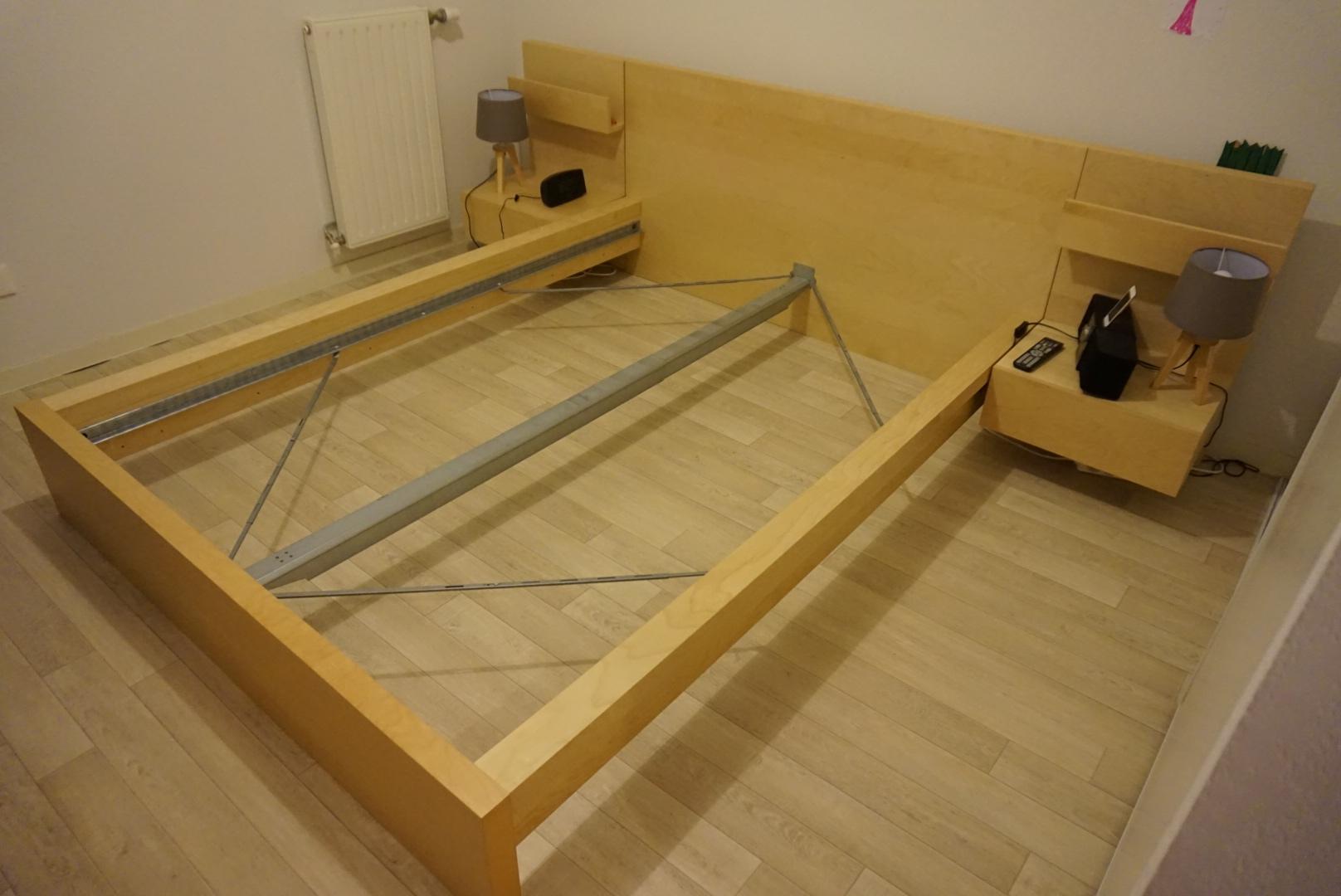 cadre de lit double malm et ses 2 chevets 130 Saint-Médard-en-Jalles (33)