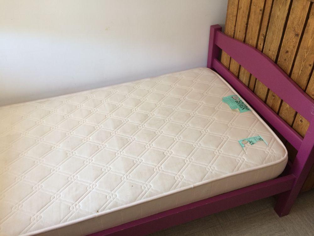 sommiers occasion audincourt 25 annonces achat et vente de sommiers paruvendu mondebarras. Black Bedroom Furniture Sets. Home Design Ideas