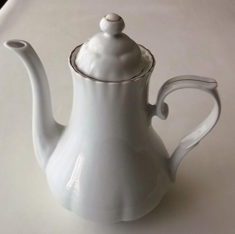 Cafetière blanche en porcelaine véritable 10 Vienne (38)