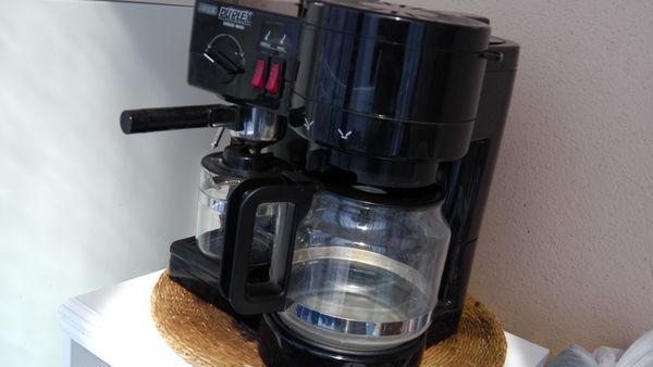 Cafetière électrique noire, double fonction 20 Les Lones (83)