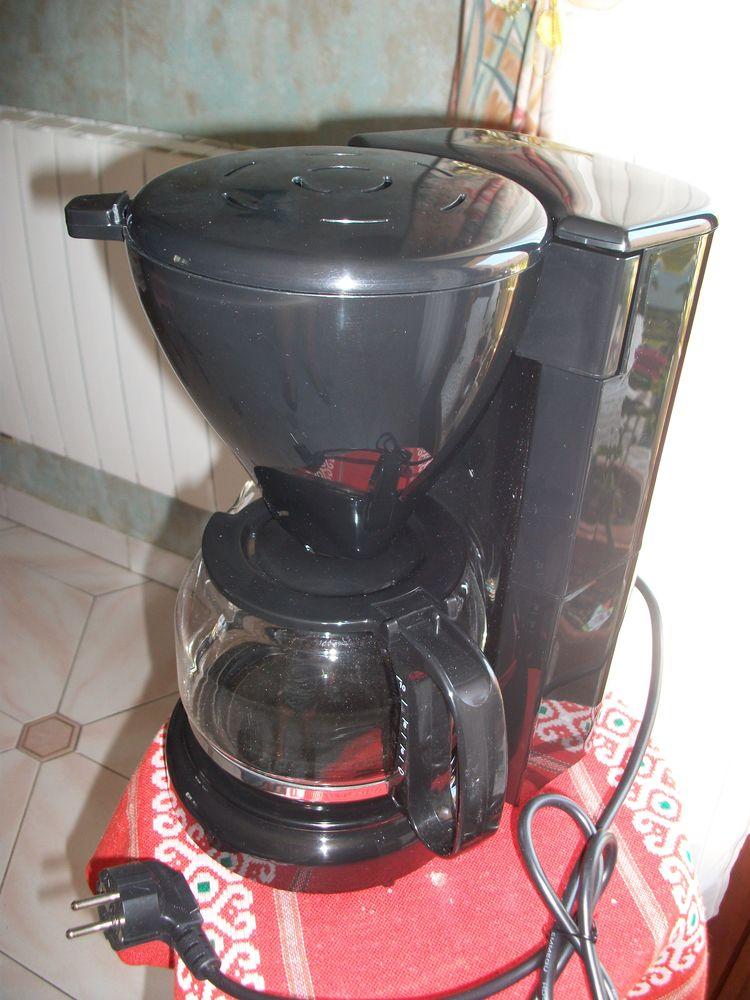 CAFETIERE électrique 12 tasses Electroménager