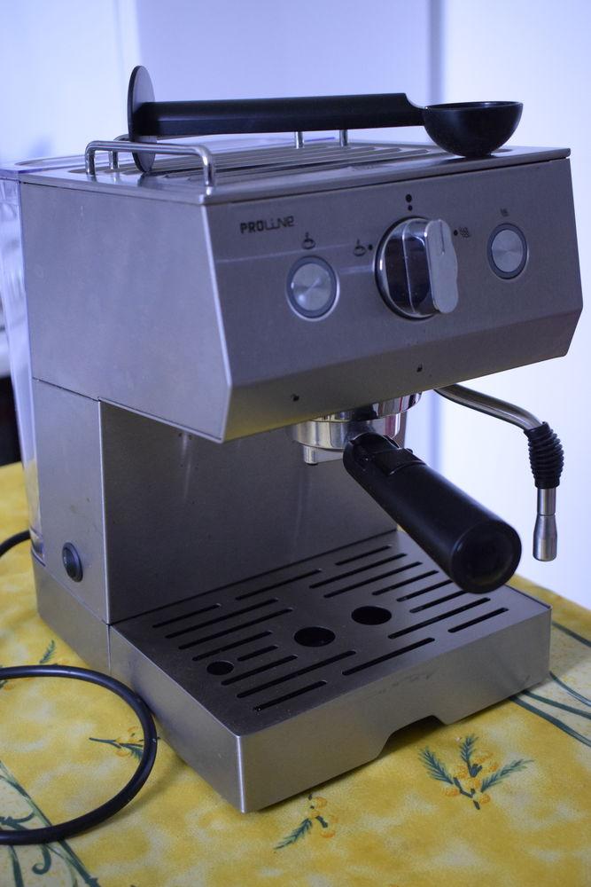 cafetière à pression vapeur ,fonctionne sans dosette  30 Saint-Julien-de-Vouvantes (44)