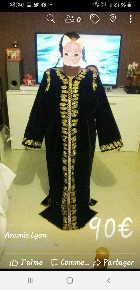 Caftans marocains excellent état Vêtements