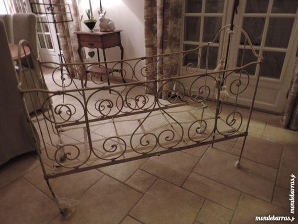 Lit cage pour enfant ancien avec support voilage 50 Solers (77)