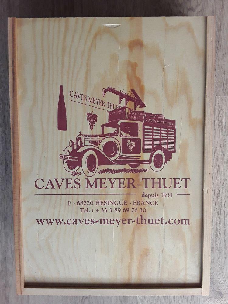 Caisse de vin en Bois (vide) MEYER-THUET (collection) 30 Draguignan (83)