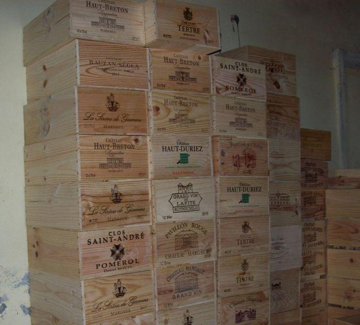 Caisse de vin vide en bois