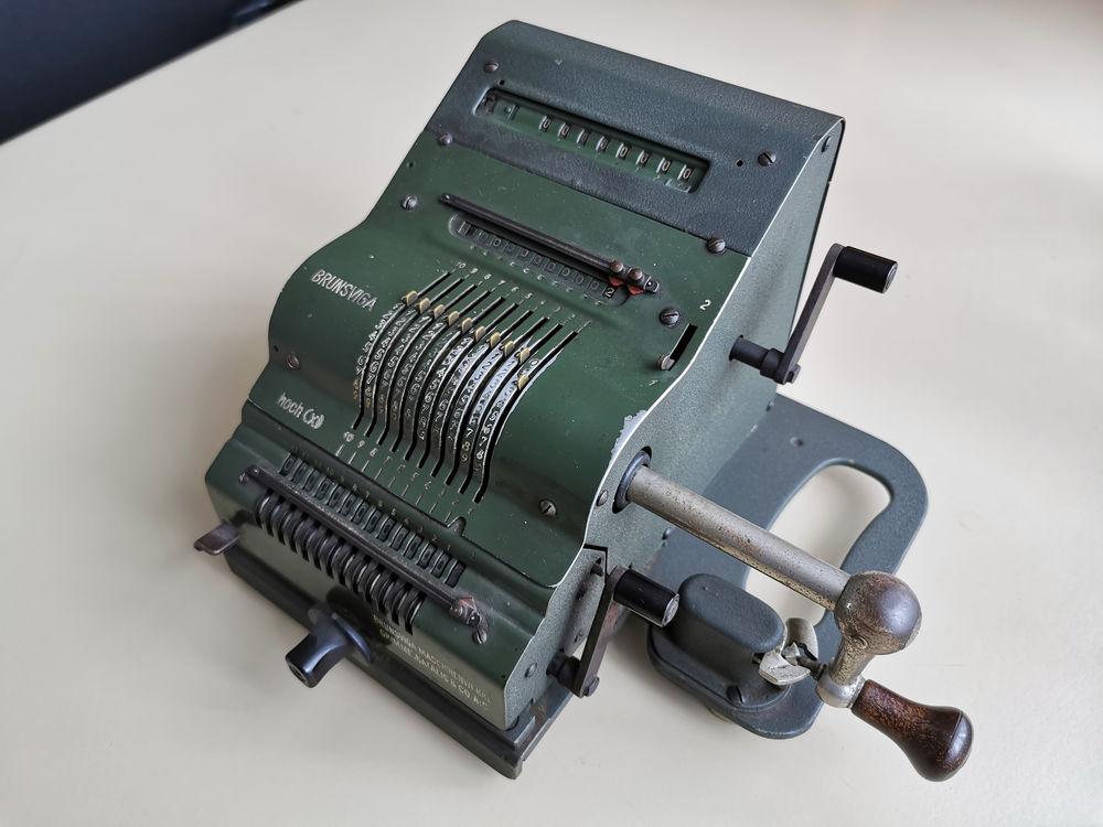 Calculatrice - Arythmomètre - Machine à calculer - Brunsviga 0 Colmar (68)