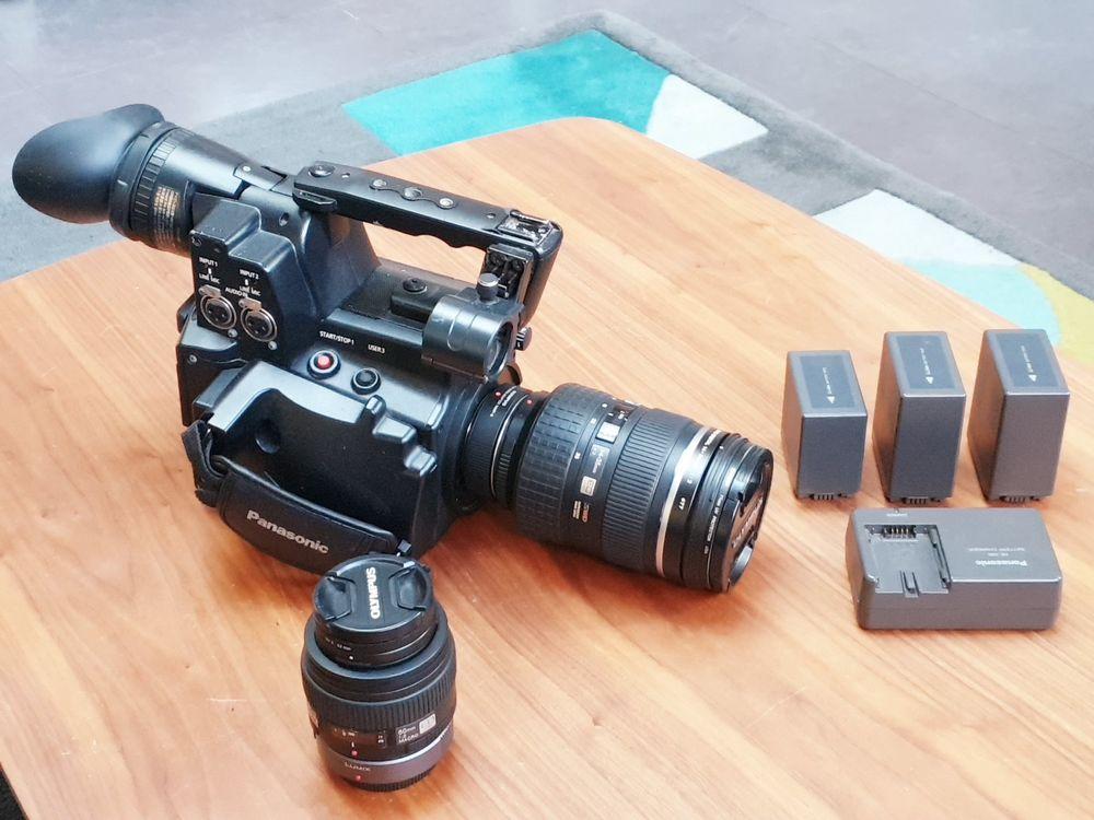 camera PANASONIC AGAF101+ 2 objectifs f2. 1250 Montreuil (93)