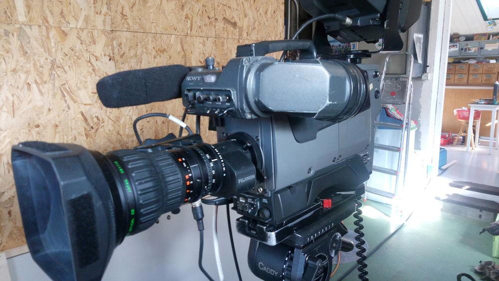 caméra de plateau tv sony  professionnel plus accessoires. 0 Vienne (38)