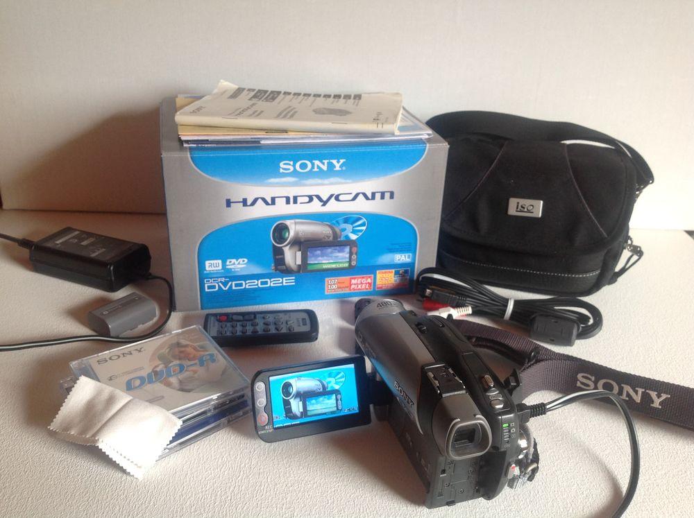 Caméscope Sony HANDYCAM DCR-DVD 202E ÉTAT NEUF 250 Trégunc (29)