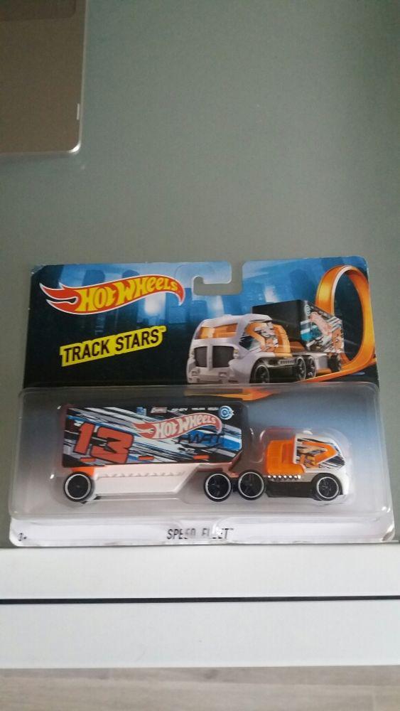 camion hotwheels trahi stars speed fleet 8 Lognes (77)