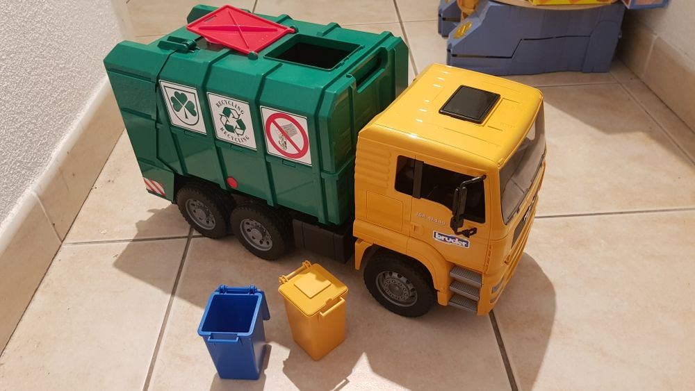 Camion poubelle 14 Narbonne (11)