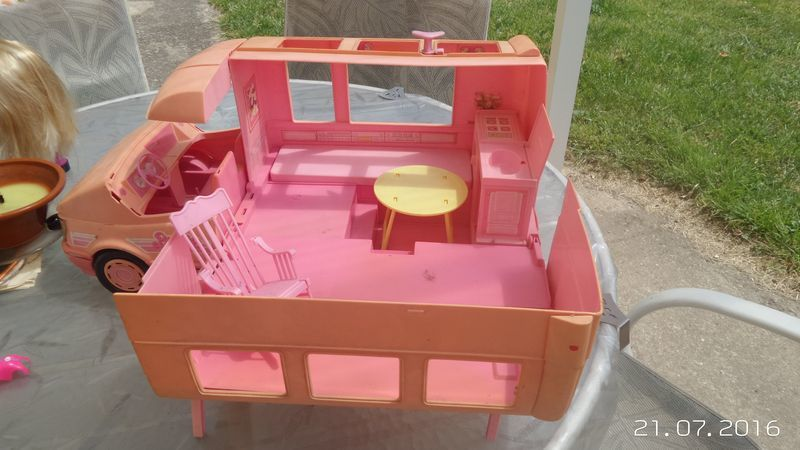 Camping Cars Barbie Transformable