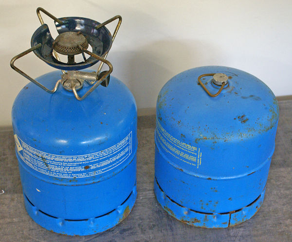 GAZ CAMPING GAZ INTERNATIONAL - 2 BONBONNES +-EQUIPEMENT 9 Blanzat (63)