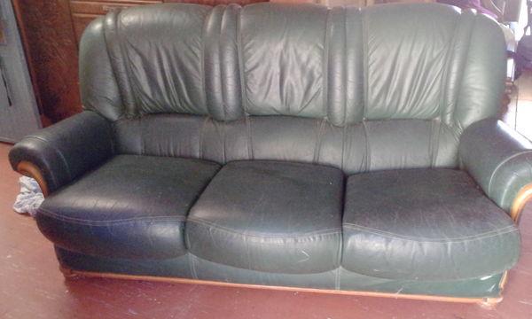 canapé 3places et un fauteuil 1 place en cuir 0 maison-jardin/canape-3places-et-un-fauteuil-1-place-en-cuir-saint-denis-97400/1204303119A1KBMAME000 (97)