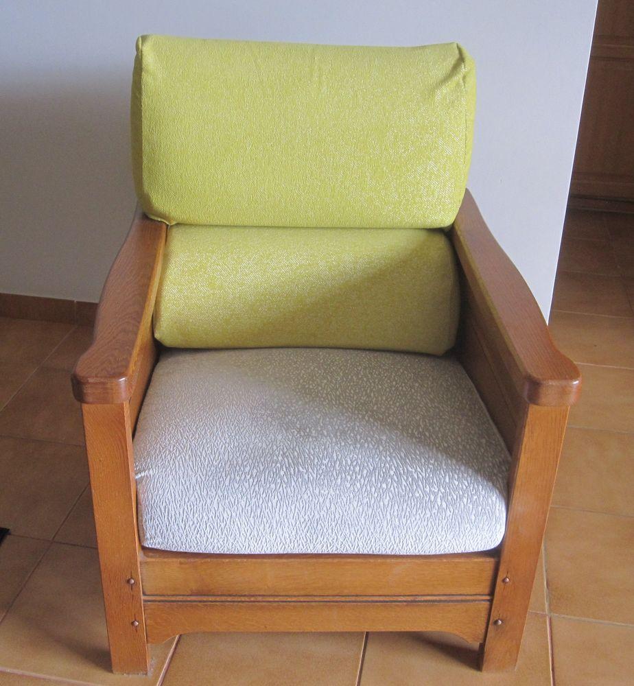 Canapé d'angle en chêne avec fauteuil. 800 Saint-Cyr-sur-Loire (37)