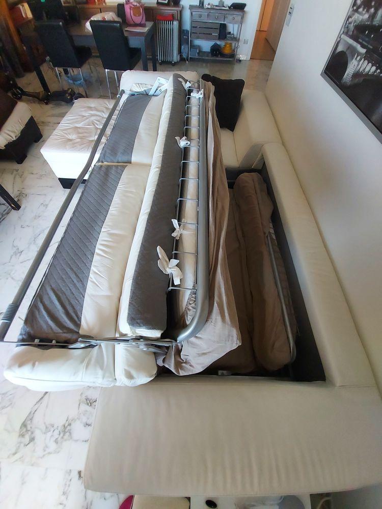 Canapé d'angle convertible cuir blanc véritable  1100 Nice (06)