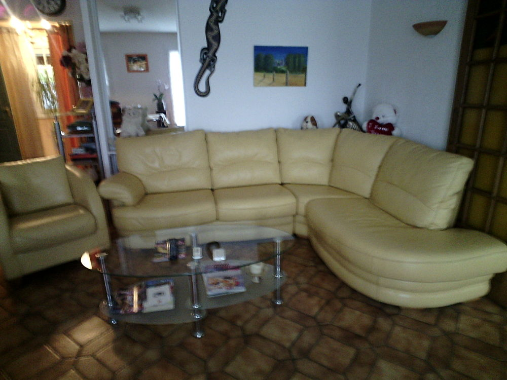 canap s d 39 angle occasion dans les deux s vres 79 annonces achat et vente de canap s d 39 angle. Black Bedroom Furniture Sets. Home Design Ideas