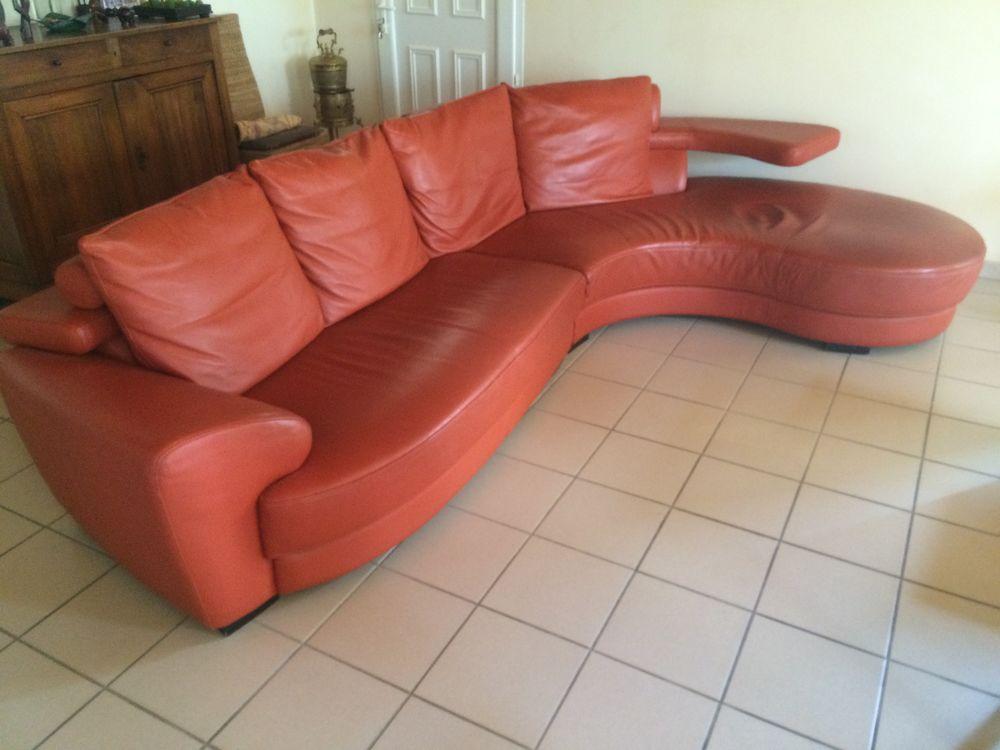 Canapé d'angle cuir 5/7 places 500 Apprieu (38)