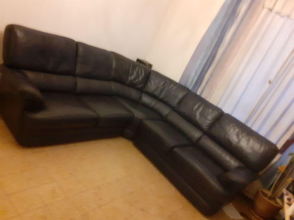 Canapé d'angle cuir centrer couleur bleu nuit 480 Bavinchove (59)