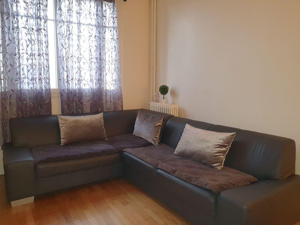 Canapé d'angle gris et accessoires 180 Courbevoie (92)