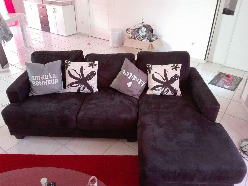 Achetez canap d 39 angle noir occasion annonce vente mont for Garde meuble mont de marsan