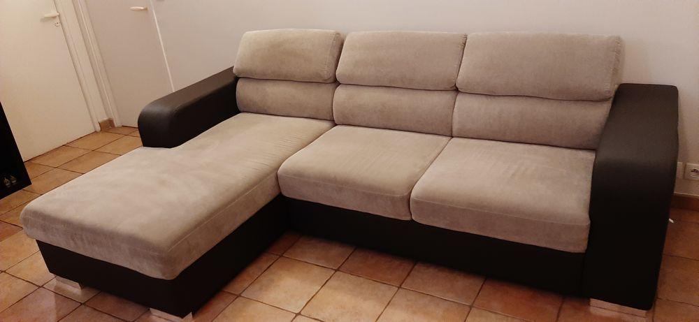 Canapé d'angle 4 places bicolore gris, appui-têtes réglables 370 Ivry-sur-Seine (94)