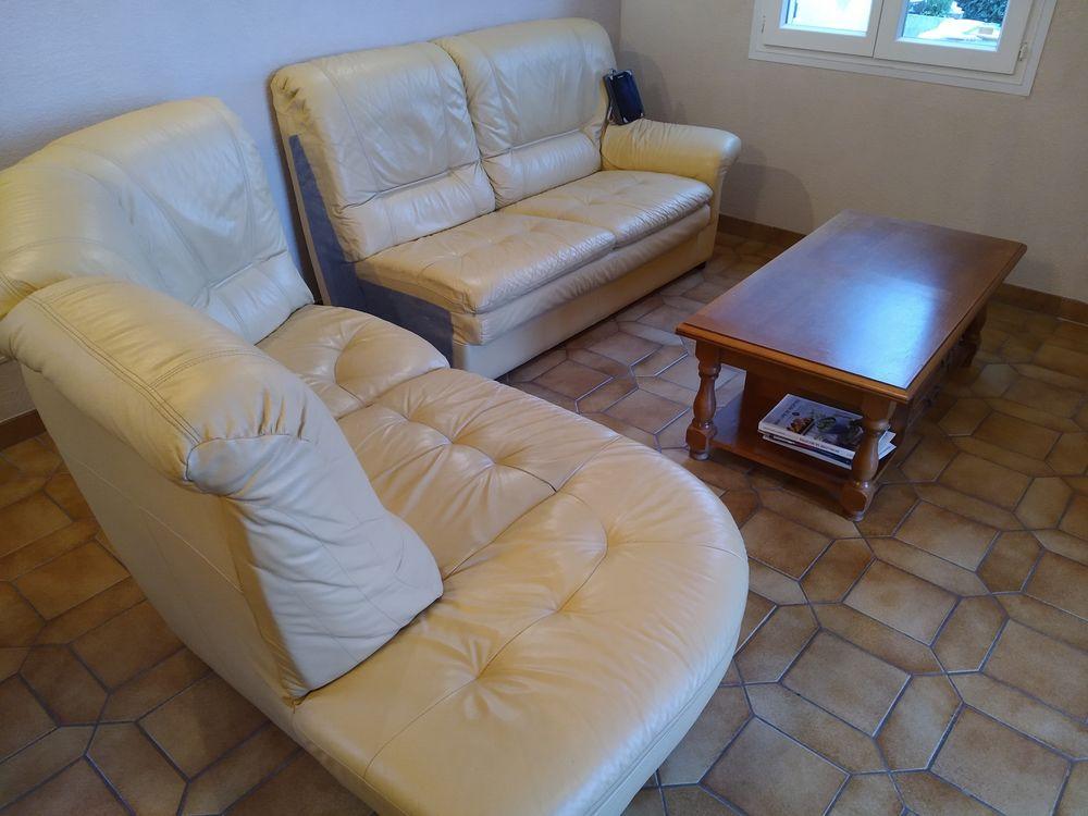 Canapé d'angle  + table basse  150 Saint-Jeannet (06)