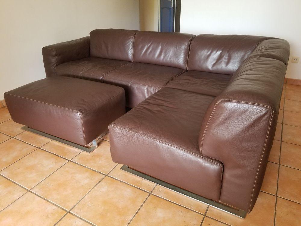 Canapé d'angle tout en cuir avec méridienne  580 Le Gosier (97)