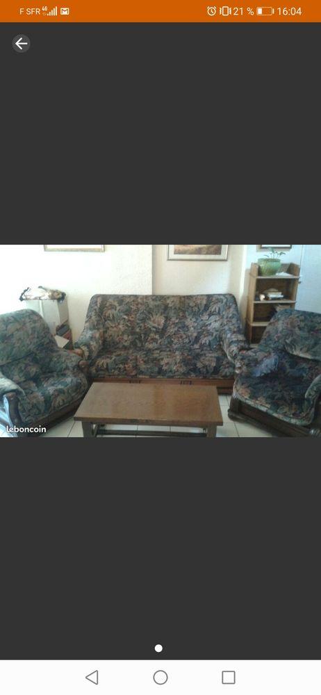 Canapé avec 2 fauteuils + une table basse en bois massif 120 Auxerre (89)