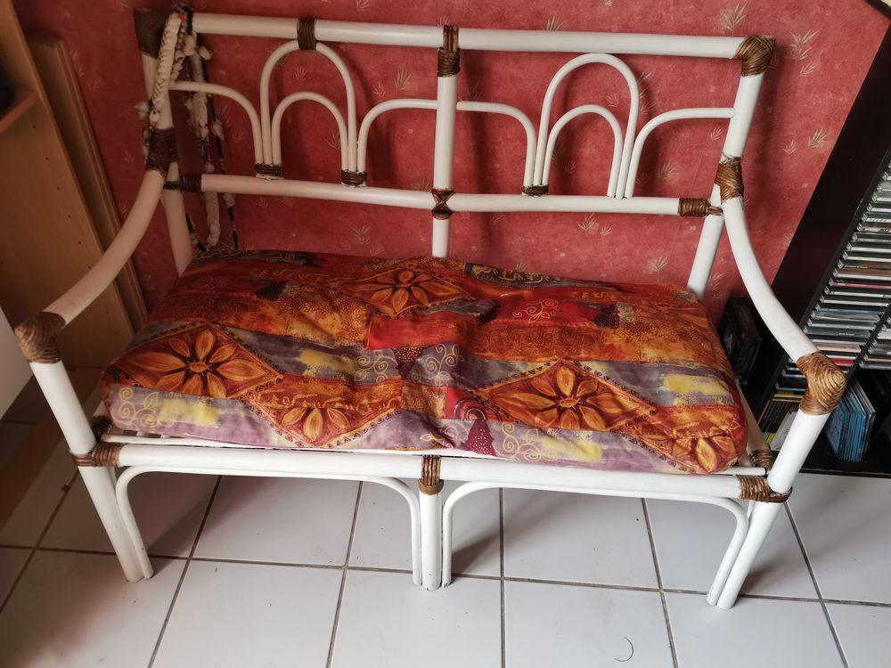 Canapé en bois peint et rotin 50 Thourotte (60)