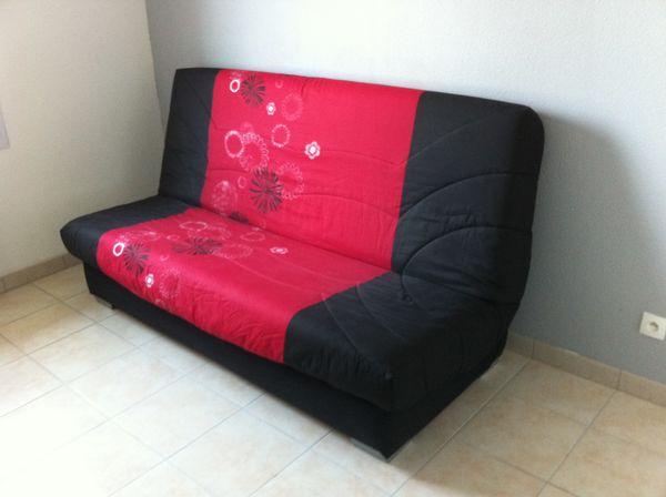 canap s occasion dans le tarn et garonne 82 annonces achat et vente de canap s paruvendu. Black Bedroom Furniture Sets. Home Design Ideas