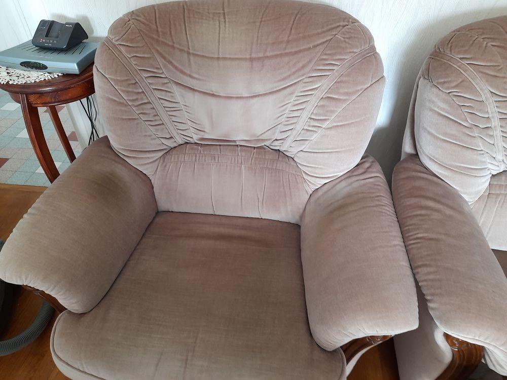 canape convertibble +fauteuil en tissus couleur beige 80 Saint-Priest (69)