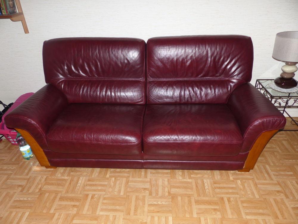 canapé convertible cuir et fauteuil 250 Le Kremlin-Bicêtre (94)