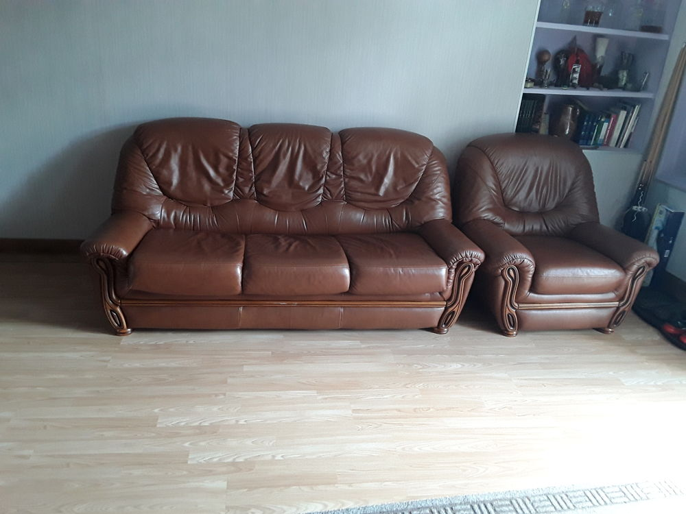 Canapé convertible 3 places + fauteuil cuir marron  370 Herry (18)