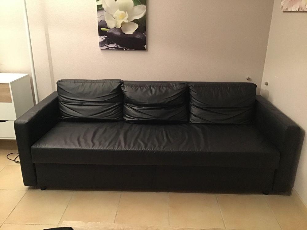 Canapé convertible simili cuir noir en parfait état  180 Floirac (33)