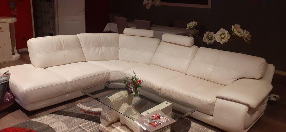 Canape cuir  d angle avec méridienne  800 Coutras (33)