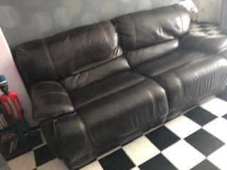 canapé cuir avec repose pieds, parfait état 0 Perpignan (66)